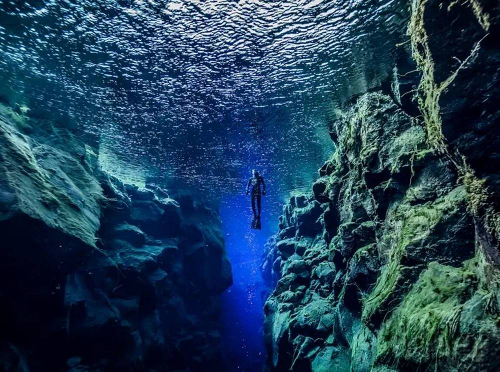 snorkeling between tectonic plates