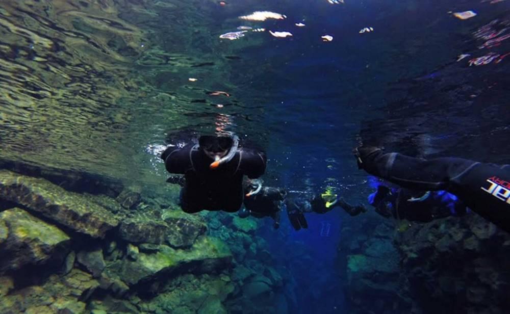 iceland tectonic plates snorkeling