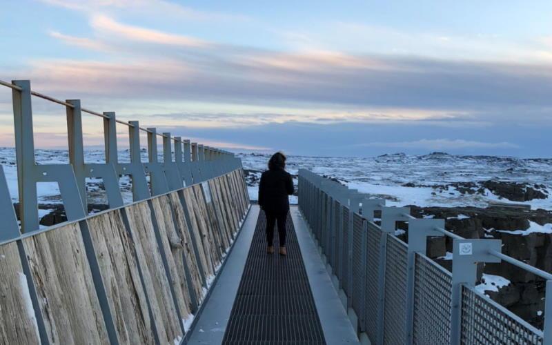best way to see bridge between continents